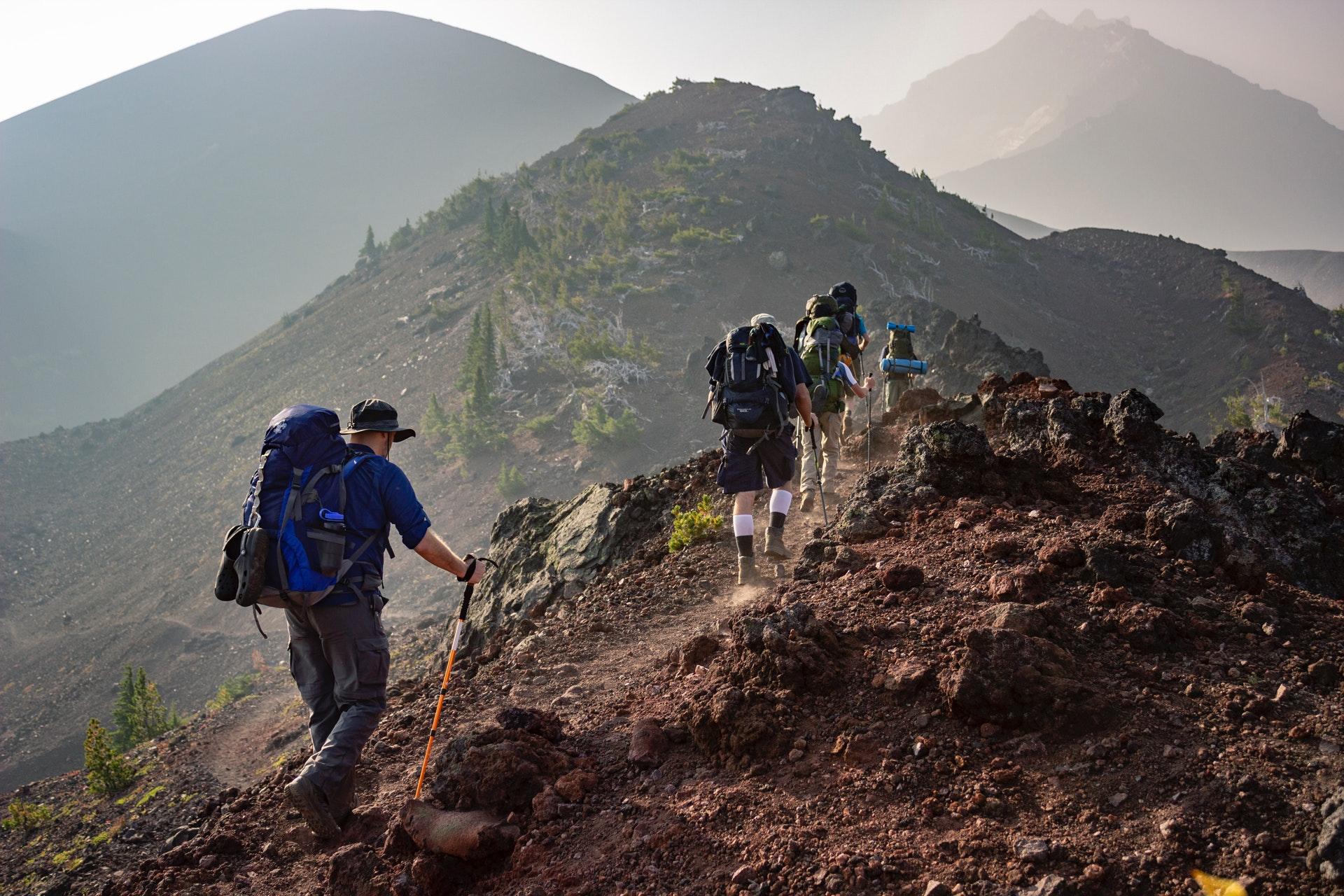 Las mejores mochilas de montaña Aventura y Riesgo